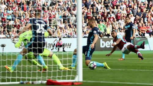 West Ham – Middlesbrough: Thoát hiểm nhờ kiệt tác - 1