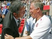"""Bóng đá - Củng cố quyền lực ở MU, Mourinho """"thăng cấp"""" Sir Alex"""