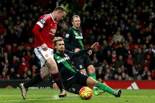 """MU - Stoke City: Tăng tốc trước """"đèo cao"""" - 2"""