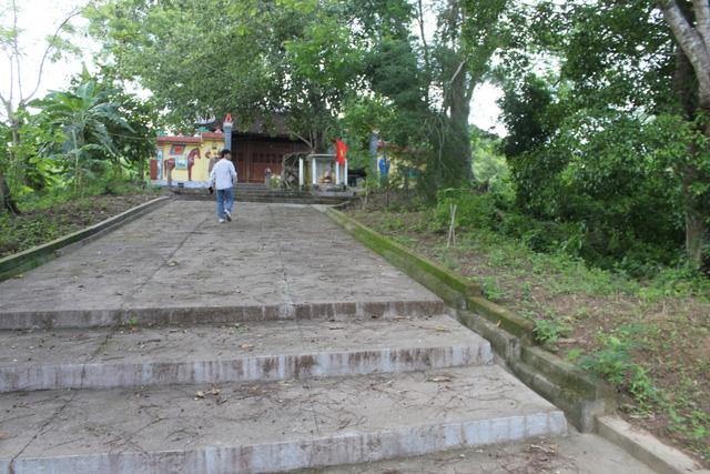 """Kỳ lạ ngôi đền cổ 700 tuổi giữa """"lò sấy Đông Dương"""" - 1"""