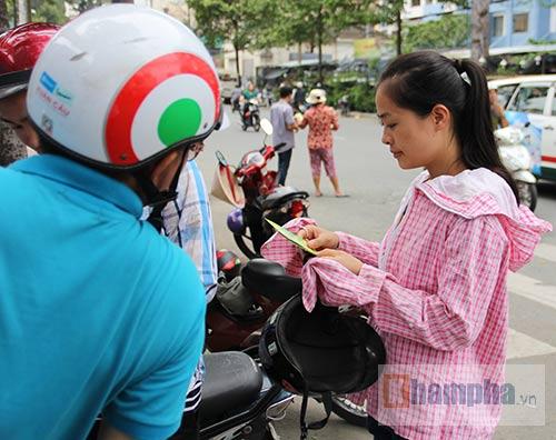 Khán giả thẫn thờ vì vé đẹp xem tuyển Việt Nam so tài - 2