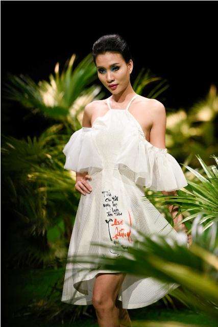 Dàn mẫu nhí tung hoành sàn catwalk tuần lễ thời trang VN - 4