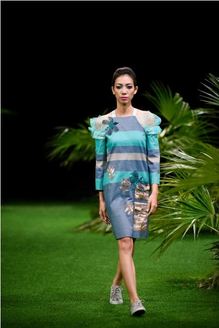 Dàn mẫu nhí tung hoành sàn catwalk tuần lễ thời trang VN - 11