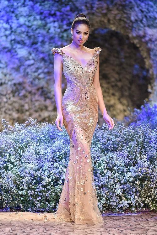 4 hoa hậu Việt tài sắc tự tin làm vedette trên sàn diễn - 4