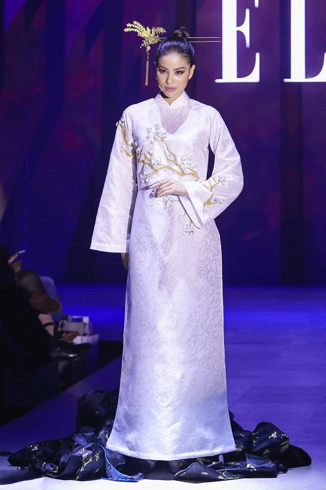4 hoa hậu Việt tài sắc tự tin làm vedette trên sàn diễn - 3