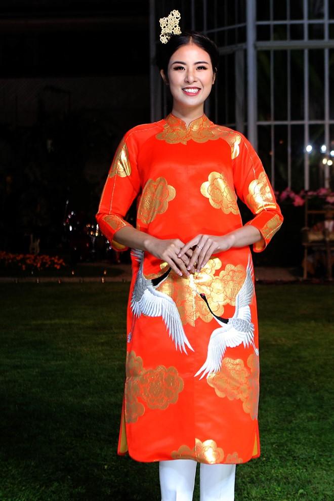 4 hoa hậu Việt tài sắc tự tin làm vedette trên sàn diễn - 6