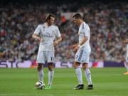 Bóng đá - Real: Ronaldo đá phạt thua Bale, sắp mất quyền ưu tiên