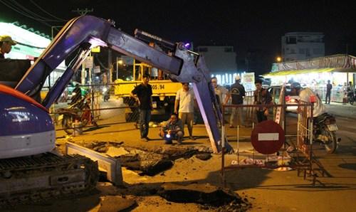'Hố tử thần' sâu hơn 5m xuất hiện tại Sài Gòn - 3