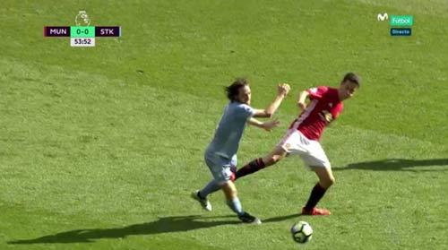 """MU: """"Vua kiến tạo"""" Rooney không gặp may, mà là đẳng cấp - 2"""