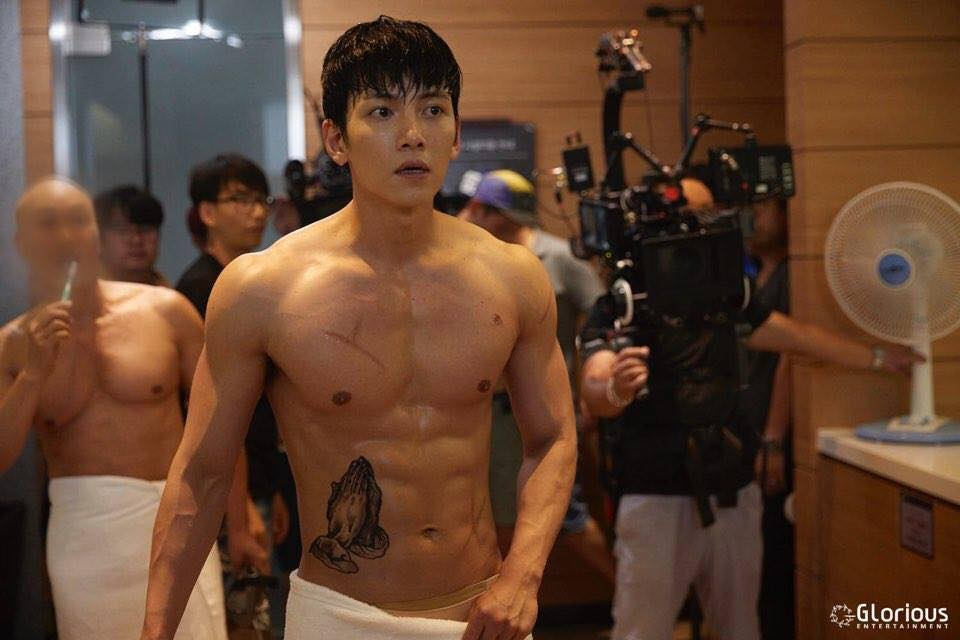 """Video cảnh phim truyền hình 18+ khiến fan nữ """"run rẩy"""" - 8"""