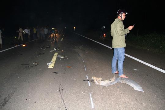 Rời tiệc thôi nôi, 2 thanh niên tông ô tô chết tại chỗ - 1