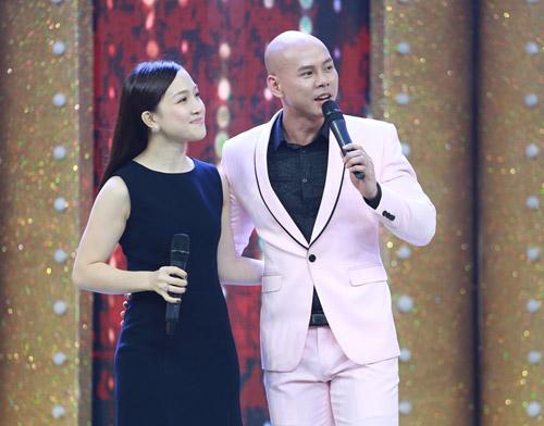 Vợ chồng Phan Đinh Tùng hát tặng con gái trên truyền hình - 2