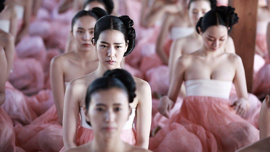 Những bộ phim Hàn gây tranh cãi vì quá táo bạo - 1