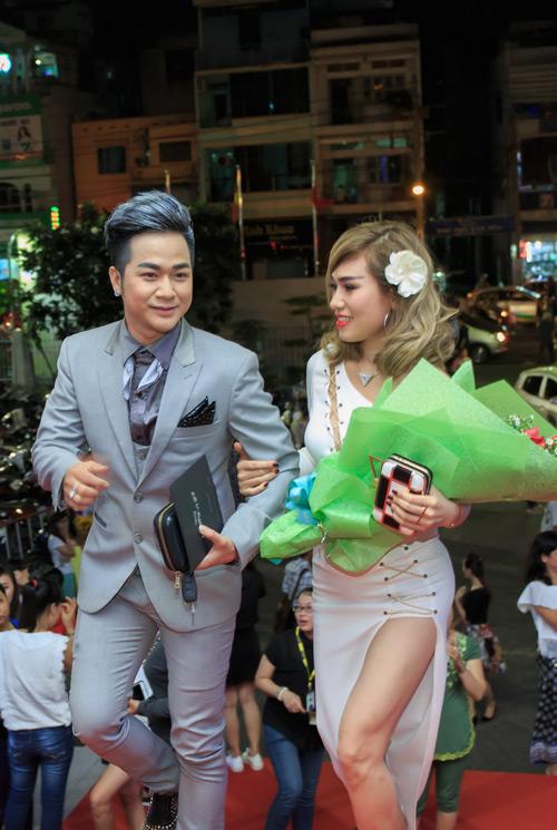 Quách Tuấn Du khoe bạn gái doanh nhân giữa tin đồn giới tính - 2