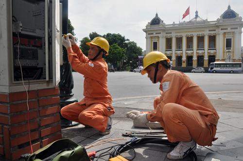 EVN đảm bảo điện phục vụ các hoạt động kỷ niệm Giải phóng Thủ đô - 1