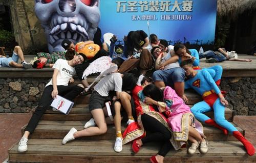 Sinh viên TQ giả chết để giành giải thưởng 10 triệu đồng - 2