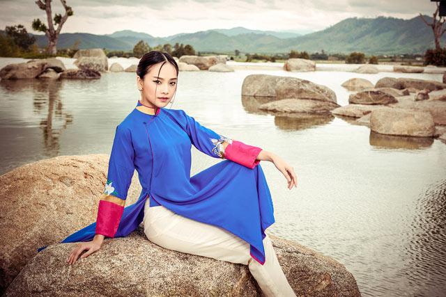 """Top 5 Hoa hậu Việt Nam 2016 đẹp """"nghiêng thành"""" với áo dài - 5"""