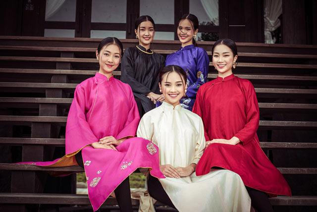 """Top 5 Hoa hậu Việt Nam 2016 đẹp """"nghiêng thành"""" với áo dài - 9"""