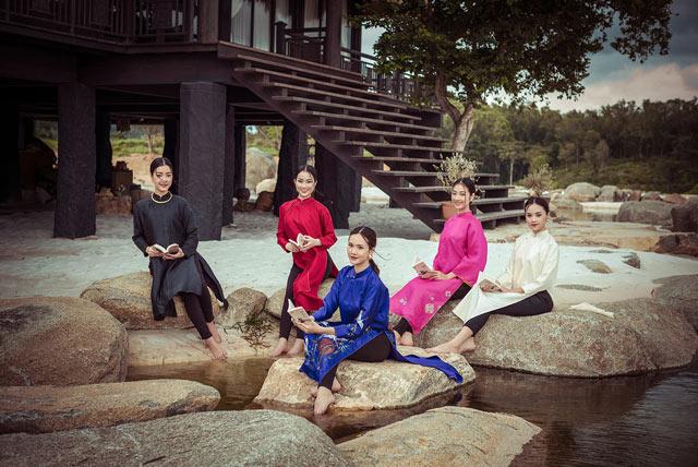 """Top 5 Hoa hậu Việt Nam 2016 đẹp """"nghiêng thành"""" với áo dài - 11"""