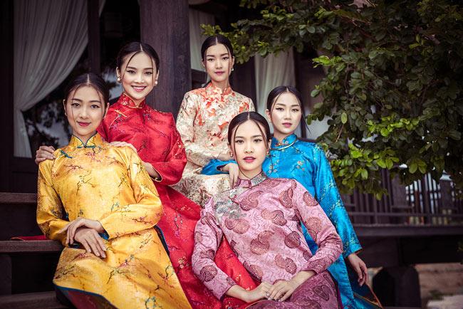 """Top 5 Hoa hậu Việt Nam 2016 đẹp """"nghiêng thành"""" với áo dài - 15"""