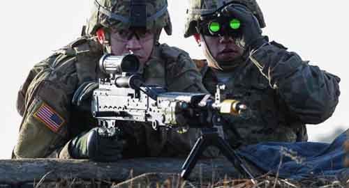 Sức mạnh quân đội Mỹ suy yếu đến mức đáng báo động - 1