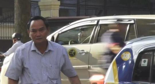 Hôm nay, các thứ trưởng Bộ Tài chính đi taxi đến Bộ - 1