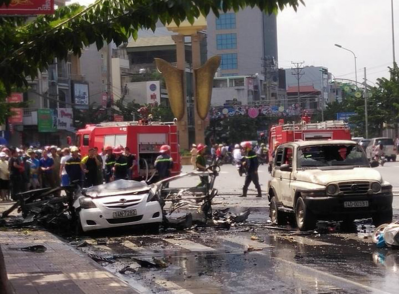 """Vụ nổ taxi ở Quảng Ninh: """"Tôi tưởng nổ cây xăng"""" - 1"""