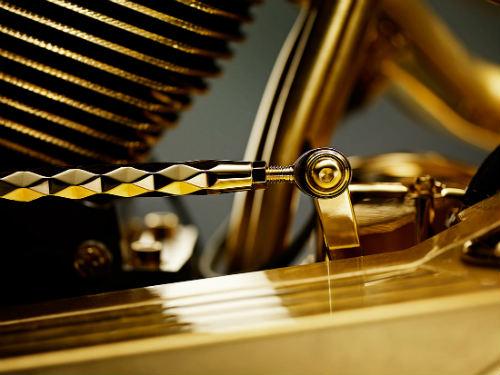 Chết mê xế nổ vàng Goldfinger, giá 19 tỷ đồng - 12