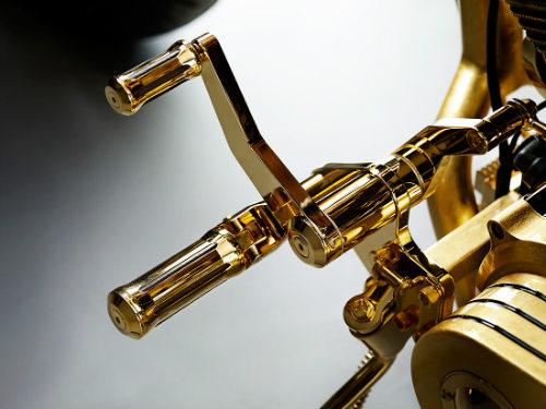Chết mê xế nổ vàng Goldfinger, giá 19 tỷ đồng - 6