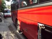 An ninh Xã hội - CSGT rút súng ngăn hai xe khách hỗn chiến