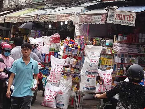 Vận động người bán hóa chất ở chợ Kim Biên chuyển nghề - 1