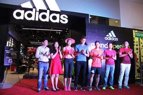 """""""Sao"""" nô nức dự khai trương cửa hàng adidas Royal lớn nhất miền Bắc - 1"""