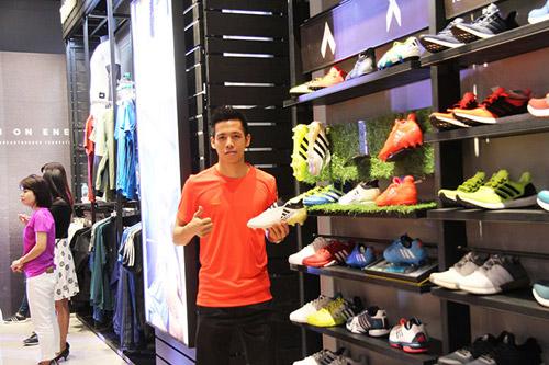 """""""Sao"""" nô nức dự khai trương cửa hàng adidas Royal lớn nhất miền Bắc - 3"""