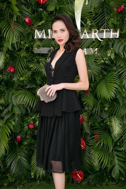 Nam Em khoe loạt đầm gợi cảm sẽ mặc tại Miss Earth - 5