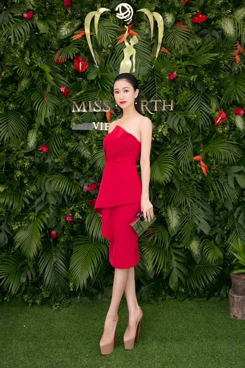 Nam Em khoe loạt đầm gợi cảm sẽ mặc tại Miss Earth - 4