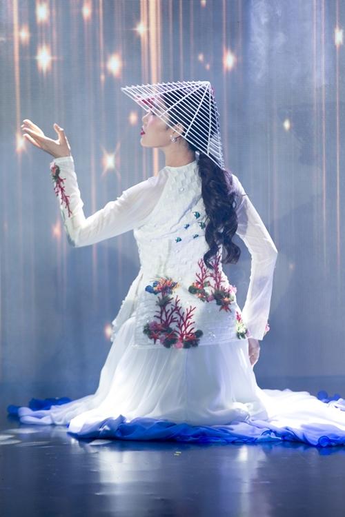 Nam Em khoe loạt đầm gợi cảm sẽ mặc tại Miss Earth - 7