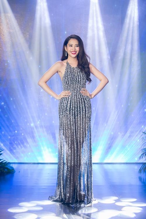 Nam Em khoe loạt đầm gợi cảm sẽ mặc tại Miss Earth - 9
