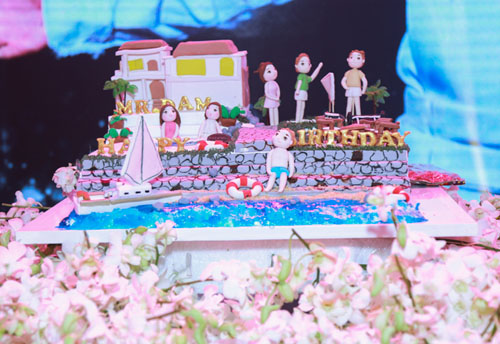 Choáng với tiệc sinh nhật như lễ cưới của Mr Đàm - 6