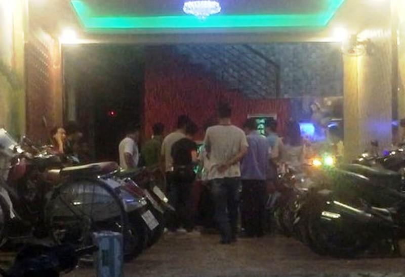 Ba nam thanh niên bị đâm chết trong quán karaoke ở SG - 1