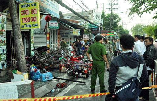 Tan hoang hiện trường vụ cháy tiệm cưới hỏi, 3 người tử vong - 3