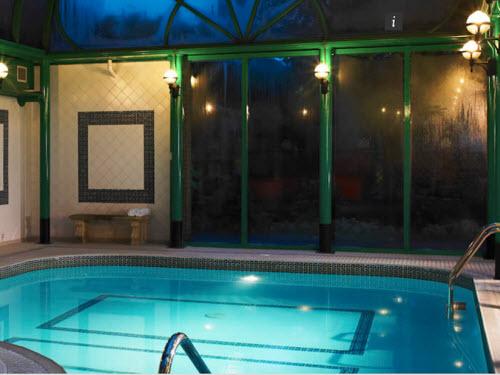 Sự thật phũ phàng sau những bức ảnh khách sạn đẹp như mơ - 11
