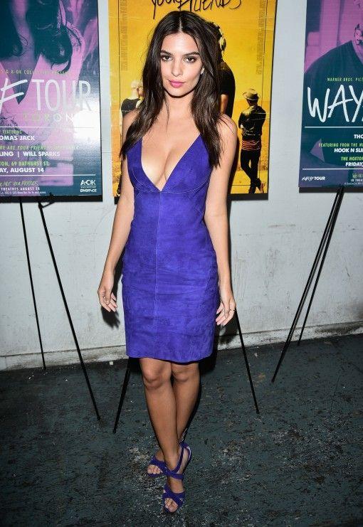 1001 kiểu mặc váy khoe vòng 1 gợi cảm của sao Hollywood - 3