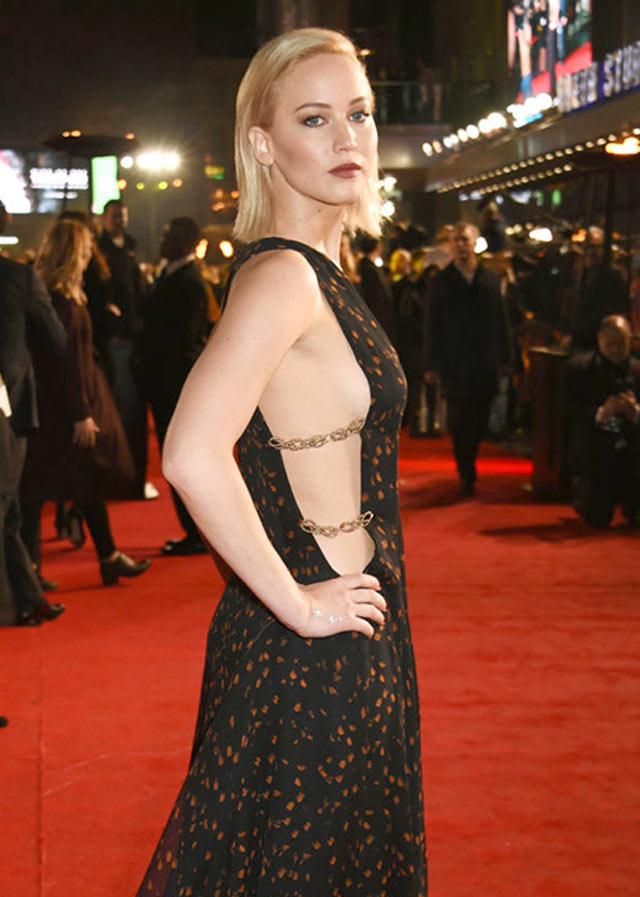 1001 kiểu mặc váy khoe vòng 1 gợi cảm của sao Hollywood - 8