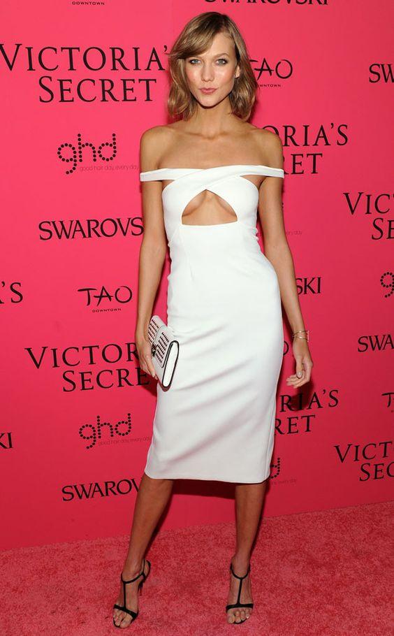 1001 kiểu mặc váy khoe vòng 1 gợi cảm của sao Hollywood - 15