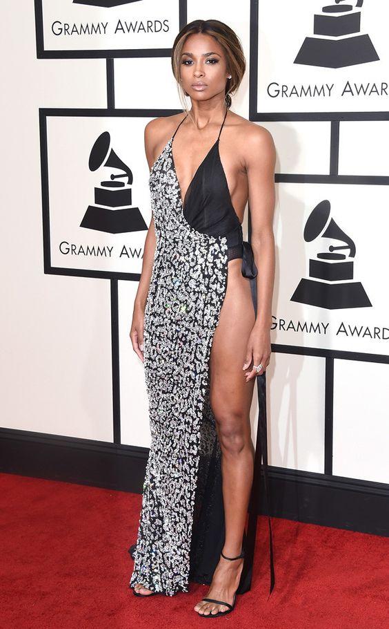 1001 kiểu mặc váy khoe vòng 1 gợi cảm của sao Hollywood - 16