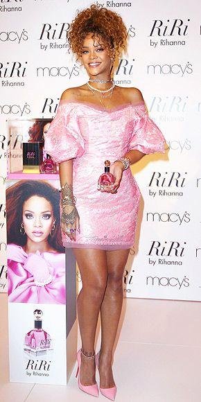 Rihanna thực sự là tín đồ của màu hồng - 5