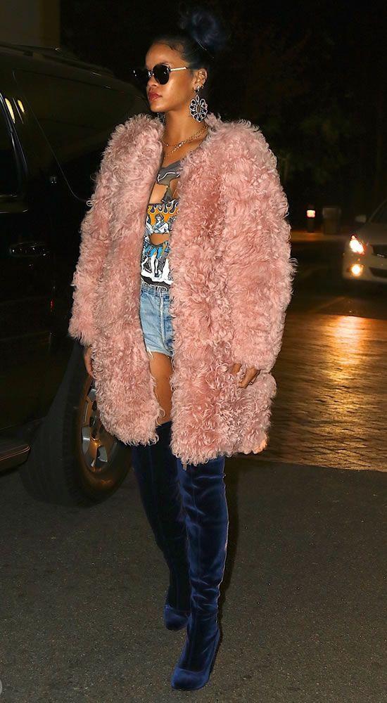 Rihanna thực sự là tín đồ của màu hồng - 9