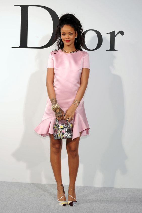 Rihanna thực sự là tín đồ của màu hồng - 10