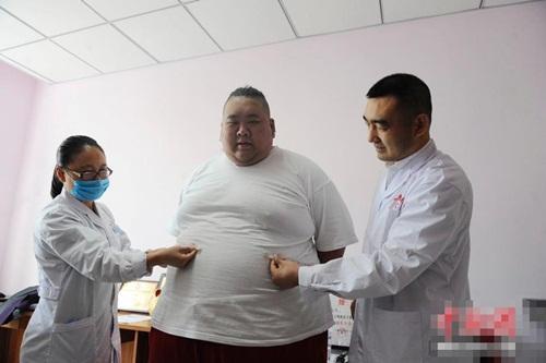 Thất tình, hot boy ăn uống thả ga tăng lên 255kg - 8