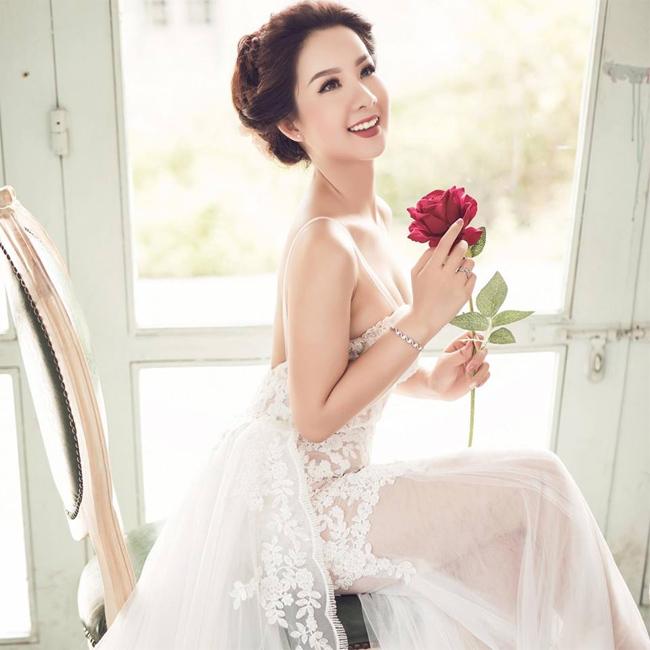 Lương Thị Thu Hà, hoa khôi Nữ sinh Việt Nam 2013 bất ngờ lên xe hoa vào ngày 2/10 vừa qua.